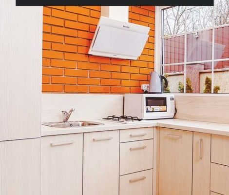 Give-Your-Kitchen-a-Fresh-New-Look-with-this-Faux-Brick-Backsplash-PIN-470x800