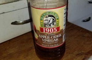 apple_cider_vinegar_acv-300x196