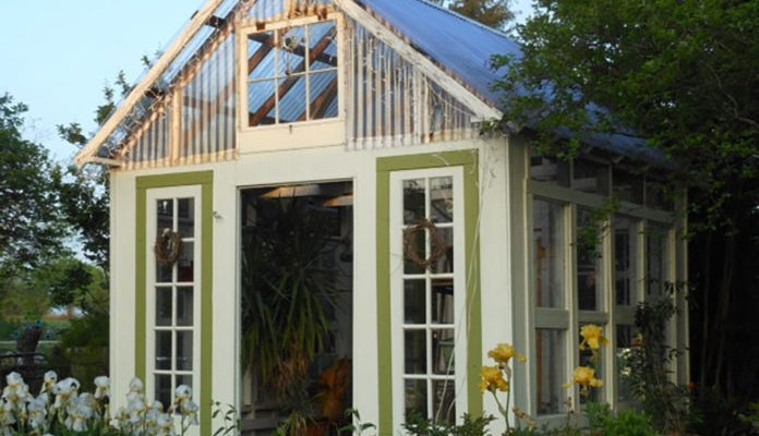 greenhouse-built-with-old-windows14-696x551