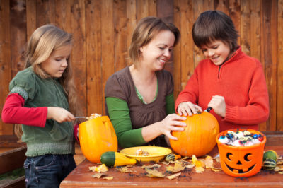 pumpkin-carving-injuries-400x266