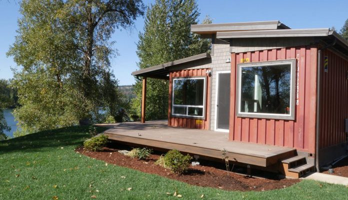 shipping-container-home-relevant-2-696x523